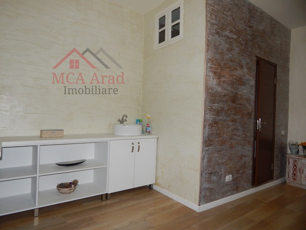 Apartament o camera la casa zona ultracentrala – ID MCA379